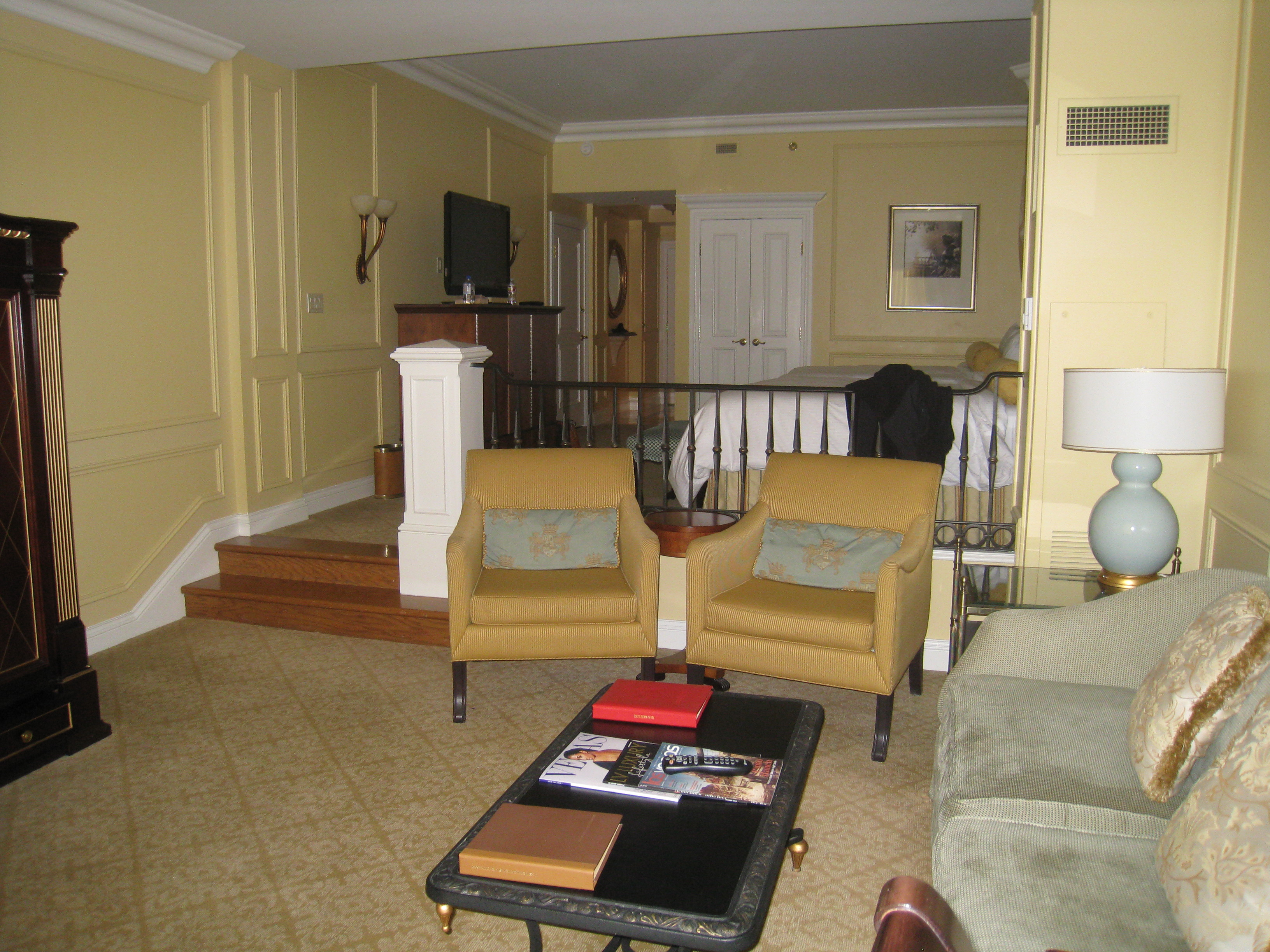 Hotel crashing the venetian las vegas poe communications for Living room suites