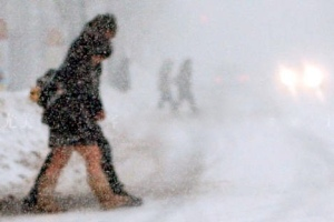 bare-legs-in-winter-blizzard