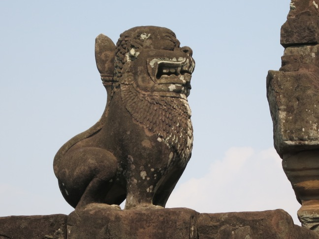 The famous stone lions at Bakong temple